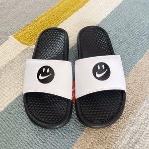 Nike Smiley Face Benassi Slides M6/W7.5